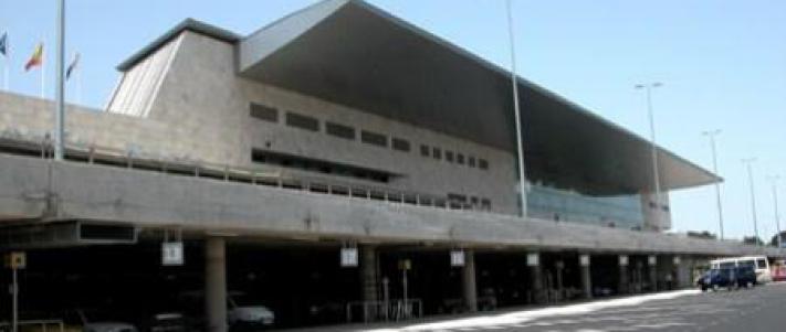 Aeropuerto los rodeos servicios de transporte los cristianos - Transporte tenerife ...