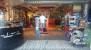 Interior de la tienda AOS en Tarifa