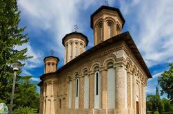 Excursión privada de medio día al Monasterio de Snagov y Palacio de Mogosoaia desde Bucarest