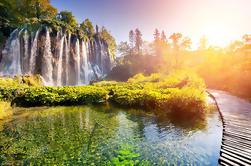Tour Privado de Plitvice Lakes con Almuerzo y Degustación de Quesos desde Zagreb