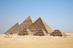 Excursión de un día privado: Pirámides de Giza y Esfinge, Museo Egipcio y Mezquita de Tulun desde Hurghada