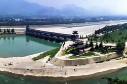 Excursión de un día guiada por el Monte Qingcheng y Dujiangyan desde Chengdu