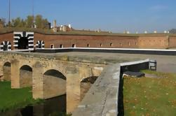 Excursão privada: Terezin Fortress e Kotlina Golf Course de Praga