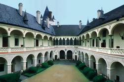 Private Tour de Praga: Sedlec Ossuary e Catedral e Chateau Zleby com Preserve Game Zleby e almoço