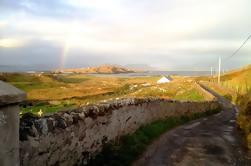 Excursión de un día de autoguiada de la isla de Inishbofin y la costa de Connemara desde Galway