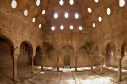 Walking Tour med Fortrinnsrett billett til Nasrid palasser i Albayzn i Granada