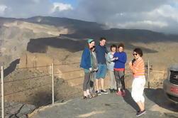 Excursión privada de día completo a Bahla Fort y el Gran Cañón de Omán desde Muscat