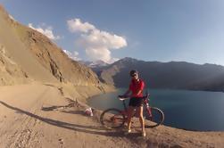 Andes Mountain Bike Tour en Embalse El Yeso desde S