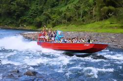Aventura en un barco de Jet Boats de día completo en Fiji