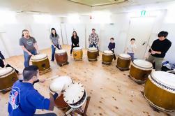 Lecciones tradicionales japonesas de tambor Taiko en Tokio