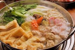 Desafíe a los luchadores del sumo y disfrute de un almuerzo del Chanko