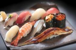 Lernen Sie, wie man Sushi von einem professionellen Chef macht