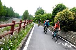 Private, Full-Day Biking and Sichuan Food Tour near Chengdu