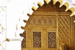 Visita guiada de un grupo pequeño en el Alcázar de Sevilla