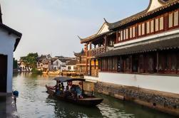 Zhujiajiao ciudad antigua y noche crucero de lujo con buffet en Shanghai