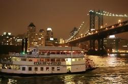 Crucero de los fuegos artificiales del 4 de julio de la ciudad de Nueva York con la barra abierta opcional y la mejora de la cena