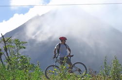 Paseo en Bicicleta por el Parque Nacional Volcán Arenal y el Lago Arenal