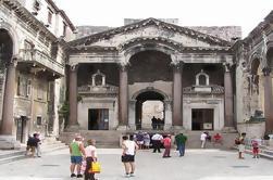 Excursión de un día a Patrimonio Cultural de Split y Salona desde Trogir