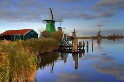 Grupo pequeno Moinhos de vento de Zaanse Schans, excursão de Volendam e das vilas antigas de Amsterdão including Schnapps holandês que prova