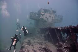 Dos buques de tanque buceo buceo de Waikiki