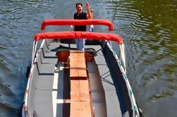 Private Amsterdam Canal Boat Cruise Incluyendo Mordeduras y Bebidas