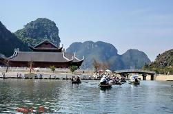Excursión de 4 días al norte de Vietnam incluyendo Hanoi, la bahía de Halong y las grutas de Trang An