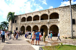 Excursão de um dia em Santo Domingo com tudo incluido de Punta Cana