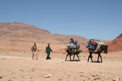 Un voyage de randonnée itinérant de 5 jours avec hébergement parmi les nomades