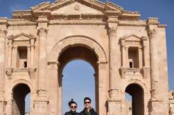 Excursión privada de 3 días a Jerash, Petra, Wadi Rum, Golfo de Aqaba y Mar Muerto desde Amman