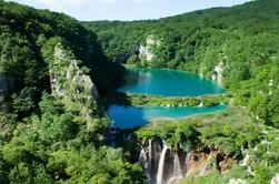 Excursión privada a los lagos de Plitvice desde Zagreb con el desembarque en Split
