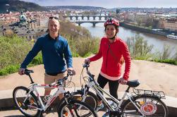 E-Bike Panorámica de la ciudad de Praga con el Castillo de Praga