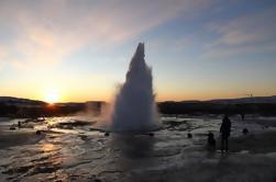 Excursión de un día al Círculo Dorado y Hot Springs Geyser por 4X4 Jeep desde Reykjavik