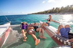 Punta Cana Excursión en Catamarán de Vela y Snorkel en Grupo Pequeño