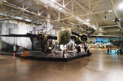 Viaje en grupo pequeño del museo de la USS Arizona y de la aviación pacífica de Waikiki