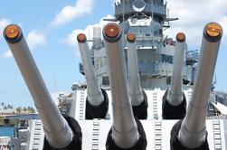 Skip the Line: Excursión en grupo pequeño de Pearl Harbor desde Waikiki