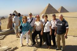 Private Day Tour: Giza e Museu de Hurghada de carro