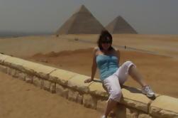 Dia-Excursão às pirâmides de Giza com equitação do camelo Museu Egyptian Mais do Cairo