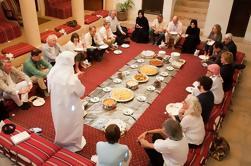 Auténtica Comida Emirati Cultural y Charla en el Viejo Dubai