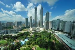 Tour Privado: Kuala Lumpur con Petronas Torres de Observación Torres y Cuevas de Batu