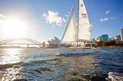 Excursão particular do grupo Sydney em um dia que inclui o cruzeiro luxuoso do iate super no porto de Sydney