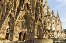 Barcelona Super Saver: Paseo por la Sagrada Familia y Paseo Artístico de Barcelona