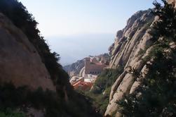 Montserrat Experiencia de senderismo guiada desde Barcelona