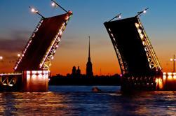 St. Petersburg Drawbridges Tour privado