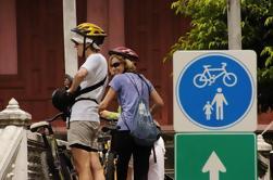 Excursão histórica do passeio da bicicleta de noite de Banguecoque