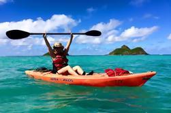 Excursión guiada de kayak de todo el día de la isla de Mokulua desde la playa de Kailua