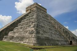 Ruinas de Chichén Itzá con visita a Valladolid Ciudad colonial y destilería de Mayapán