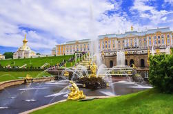 Private Half Day Tour to Peterhof by Hydrofoil from St Petersburg