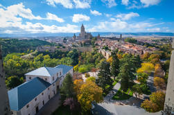 Segovia und La Granja Royal Residence mit Mittagessen Upgrade