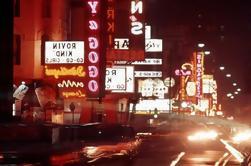 Vida nocturna en la Costa de Oro en 1960