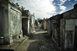 One Hour Saint Louis Cemetery Excursión a pie número uno